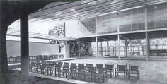 Picasso's Guernica inside the Spanish Pavilion at the 1937 Exposition Internationale, Paris Architecture Mapping, Historical Architecture, Modern Architecture, Guernica, World's Fair, Paris, Pavilion, Buildings, Inspiration