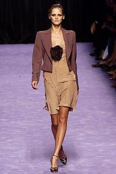 Saint Laurent Spring 2003 Ready-to-Wear Fashion Show - Carmen Kass (SILENT), Tom…