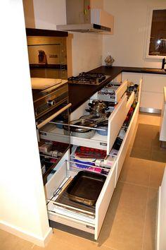 Mobila de Bucatarie Alb Mat NCS-S1000-N 3 Sertare cu Amortizare BLUM Kitchen Storage Hacks, Minimalism, Kitchen Ideas, Closet, Design, Home Decor, Trendy Tree, Armoire, Decoration Home