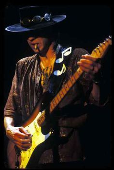 See Stevie Ray Vaughan pictures, photo shoots, and listen online to the latest music. Stevie Ray Vaughan, I Love Music, Good Music, Best Guitarist, Blues Music, Blues Rock, Music Photo, Eric Clapton, Jimi Hendrix