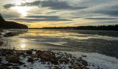Tornionjoki alkutalvesta Pellossa Länsi-Lapissa