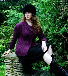 Twist + Shout free knitting pattern.  States that it looks good on any size woman.  In sizes XS/S to 3X/4X and I love the color!
