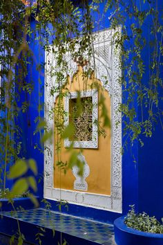 jardin majorelle bleu klein mobilier jaune maroc jardin majorelle jardins et jardin. Black Bedroom Furniture Sets. Home Design Ideas