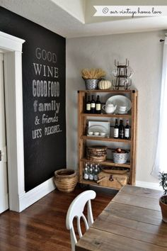 Chalkboard wall, lots of wood, and farmhouse style table. Our vintage home love: Chalkboard Wall Farmhouse Style Table, Farmhouse Ideas, Farmhouse Decor, Sweet Home, Home Kitchens, Kitchen Decor, Kitchen Items, Kitchen Display, Kitchen Mats