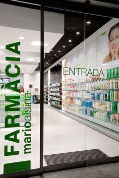 #ecoceutics farmàcia Mario Alsina #castellodempuries #jordifigueroladesign… Hospital Pharmacy, Pharmacy Store, Supermarket Design, Retail Store Design, Showroom Design, Shop Interior Design, Modern Dinning Room Ideas, Retail Branding, Design Exterior