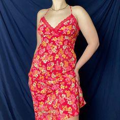 Korean Street Fashion Urban Chic, Urban Fashion, Pink Floral Maxi Dress, You Look Beautiful, Kawaii Fashion, Hot Pink, Street Style, Cute, Clothes