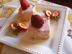 Epres habos süti Cheesecake, Strawberry, Fruit, Food, Cheesecakes, Essen, Strawberry Fruit, Meals, Strawberries