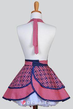 Ruffled Retro Apron . Modern Pink and Navy Blue von CreativeChics