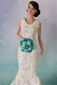 Tonner Tyler, Barbie Ellowyne BJD Doll wedding Posy bouquet Poppy Parker Blue #EnterYourOwnOOAKByErika #DollswithClothingAccessories