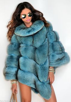 fur fashion directory is a online fur fashion magazine with links and resources related to furs and fashion. furfashionguide is the largest fur fashion directory online, with links to fur fashion shop stores, fur coat market and fur jacket sale. Fur Fashion, High Fashion, Winter Fashion, Womens Fashion, Fox Coat, Fabulous Furs, Mode Blog, Fur Jacket, A Boutique