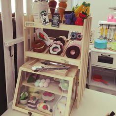 セリア/DIY/My Shelfのインテリア実例 - 2016-09-30 10:54:48 | RoomClip(ルームクリップ) Diy Gifts For Kids, Diy For Kids, Kids Toy Store, Felt Food Patterns, Kids Market, Cardboard Toys, Ikea, Felt Toys, Diy Toys