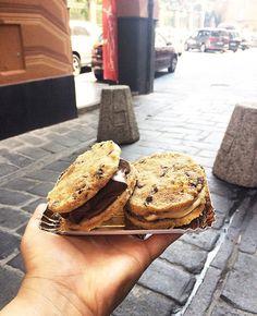 Perché da noi sono artigianali dalla B di Biscotto alla O di gelatO  #glutenfree #glutenfreevegan #homemade #artigianale #veganism #veganfood #biscotti #biscuits #govegan #delicious #chocolate #nut #heathlyfood #food #icecream #veg #funnyvegan #vegano