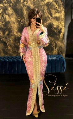 Arab Fashion, African Fashion, Caftan Gallery, Kaftan Moroccan, Ankara Long Gown Styles, Wedding Dress Necklines, Caftan Dress, Traditional Fashion, Oriental Fashion