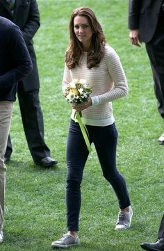 Catherine, Duchess of Cambridge in Jonathan Saunders at rugby in Dunedin, New Zealand - 13 April 2014