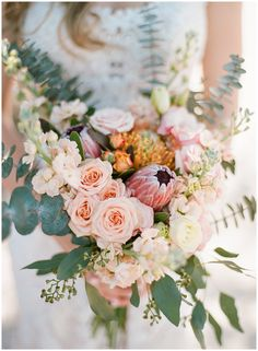 Spring bouquet with protea and spray roses || The Ganeys