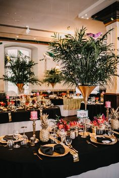 The atmosphere of hot tropics with their bright landscapes requires unusual tropical decor. Find tropical wedding decor ideas in our post. Tiki Wedding, Wedding Reception Flowers, Gatsby Wedding, Wedding Reception Decorations, Wedding Table, Hawaii Wedding, Wedding Receptions, Summer Wedding, Table Decorations