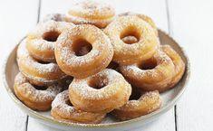 Oponki serowe Cake Hacks, Polish Recipes, Polish Food, Onion Rings, Doughnut, Food And Drink, Menu, Sweets, Snacks