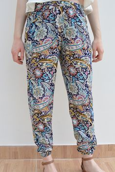 Viola Paisley cuffed trousers available in size XS-L on www.thewolfflower.com