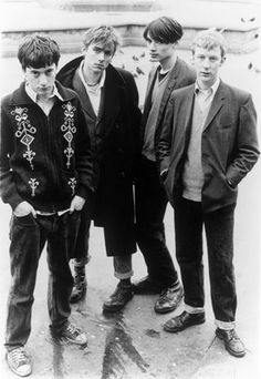 """""""We came back from America and everything was Nirvana here, too. And Suede. I always think of things sonically, I suppose. And I didn't like Suede's sound, it was too middle–y for me. I don't know. Good bands got lost, swept aside by things like grunge, then Britpop."""" Graham Coxon interviewed in the Blur 21: The Box book"""