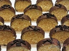 Czech Recipes, Christmas Baking, Muffin, Food And Drink, Sweets, Drinks, Breakfast, Cake, Krispie Treats