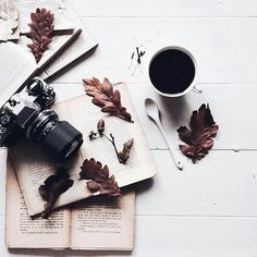 28 Ideas For Book Photography Coffee Flat Lay Photography, Book Photography, Vintage Photography, Fashion Photography, Flower Photography, Object Photography, Photography Challenge, Brown Aesthetic, Autumn Aesthetic