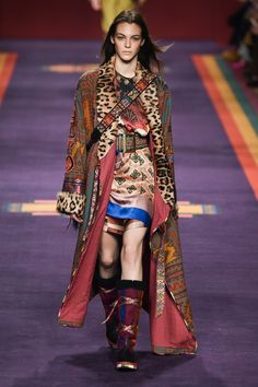 ETRO  ~   Fall '17   -   RTW.  ~ *[Uh-oh! I can not be, the only one to notice what's happening, on the left side of her chest?!? I must admit tho, that I'm a bit surprised about it not being caught, before she took to the runway! Hmmm... well, it was just an observation, for which I just couldn't resist an OVERWHELMING urge, to comment upon – it's silly, I know .]