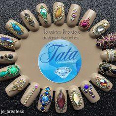 """658 curtidas, 12 comentários - Tata Customizacao & Cia (@tata_customizacao_e_cia) no Instagram: """"@Regrann from @je_prestess - MDS é muito brilho Pedrarias no site Tata Customização…"""""""