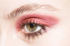 Laura Mercier Caviar Stick in Plum,  Marc Jacobs Beauty Style Eye-Con No.3 Plush Shadow in The Punk 104 .