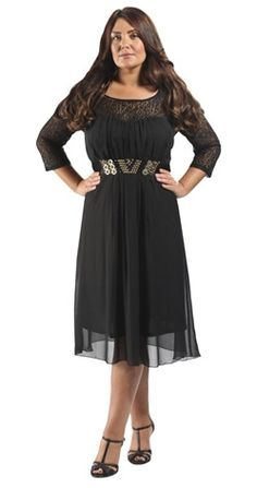 Une robe glamour et élégante, qui sera idéale pour celles qui ont des bras un peu fort. Disponible jusqu'au 58/60 pour 42,39€ chez #Lovedrobe #grandetaille #ronde