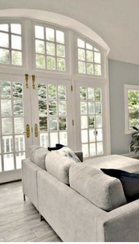 best paint colors for selling a house