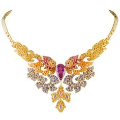 Collier reali - Vogue.it---No words for this stunner!