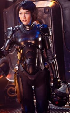 Mako Mori (Rinko Kikuchi) in Pacific Rim Mako Mori, Feminist Halloween Costumes, Science Fiction, Rinko Kikuchi, Gipsy Danger, Female Armor, Female Cyborg, Cinema, Mary Sue