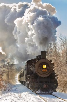 Track Pictures, Train Vacations, Old Steam Train, Railroad Photography, Train Art, Old Trains, Train Engines, Train Journey, Steam Engine