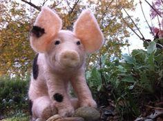 Felt Pig by Catherine Stein skittykitty.com Felt Art, Lamb, Crafty, Animals, Animales, Animaux, Animal Memes, Animal, Baby Lamb