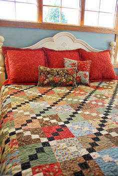 Flanged Sham and Accent Pillows by Heather Mulder Peterson, via Flickr