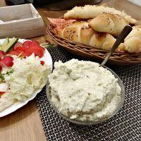Mashed Potatoes, Cheese, Ethnic Recipes, Food, Whipped Potatoes, Smash Potatoes, Essen, Meals, Yemek