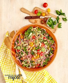Salade de pâtes façon sous-marin italien #recette Facon, Thai Red Curry, Ethnic Recipes, Pasta Salad, Salads, Recipe, Underwater, Healthy Slow Cooker, Food