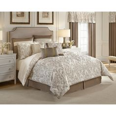 Croscill Home Madeline Ivory/Taupe Damask 4-piece Comforter Set