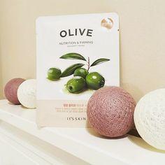 Entspanne und erfrische deine Haut mit *The Fresh Mask Sheet - Olive* von IT'S SKIN. https://www.seemyskin.de/maske/ (Bild: moniuszki) #itsskindeutschland #kbeauty #sheetmask #masksheet #gesichtsmaske #bblogger #koreanischehautpflege #beauty #blogger #beautyblogger #abcommunity #skincare #schönehaut #olive #koreanischekosmetik #hautpflege #koreanbeauty #tuchmaske #koreanskincare #gesichtspflege #rasianbeauty #kbeautyblogger #germanblogger #asiatischekosmetik