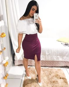 A imagem pode conter: 1 pessoa, em pé Stylish Work Outfits, Business Casual Outfits, Classy Outfits, Cute Outfits, Modest Dresses, Sexy Dresses, Skirt Fashion, Fashion Outfits, Corporate Attire