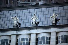 Corporate Goddess Sculptures – San Francisco, California - Atlas Obscura