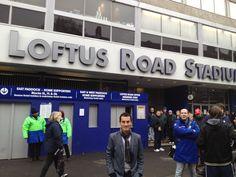 Jose del Valle en las afueras del estadio Loftus Road para la previa de QPR vs. Sunderland