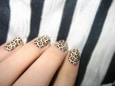 animal print nail art..goosh! I'm dying to try one. :p