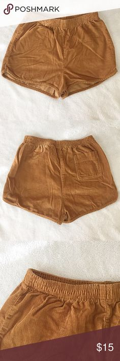 AMERICAN APPAREL corduroy shorts In a golden brown color. In good condition. *Serious buyers only please* American Apparel Shorts