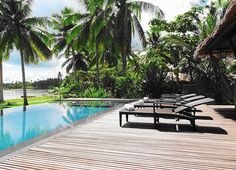 Enjoy the beauty of the Kalinaw infinity swimming pool facing the blue water of Siargao lagoon. Furnished with Dedon furnitures it is the perfect place to relax and drink a cocktail. Siargao Philippines, Resorts, Perfect Place, Places Ive Been, Swimming Pools, Photo Galleries, Relax, Gallery, Water