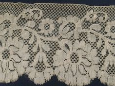 3 5 yds Beautiful Antique Champagne Chantilly Lace | eBay