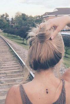 #Tatowierung Design 2018 Semikolon-Zeichen-Tatowierung u. Bedeutung #Tattodesigns #BestTato #beliebt #tatowierung #TattoStyle #neueste #schön #tatowierungdesigns #tattoo #farbig #Sexy #Women #BestTatto #2018Tatto #FürFraun#Semikolon-Zeichen-Tatowierung #u. #Bedeutung