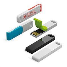CHIAVE USB mod. IRON OUTDOOR Design innovativo, cappuccio in silicone integrato, memoria flash incapsulata, resistente agli urti, all'acqua e alla polvere, guscio in lega stabile. Prestazioni di lettura fino a 18 MB/s e di scrittura fino a 5 MB/s. Dimensioni: ca. 43 x 12 x 5 mm, 18 g. Consegnata in scatola di cartone  Capacità da 1GB a 16GB COLORE  cromato, argento satinato, nero