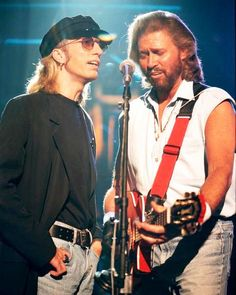 the bee gees Robin and Barry Gibb