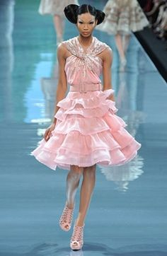 Sooo LOVIN this amazing Dior Haute Couture pink dress & the stunning shoes!!!! ❤